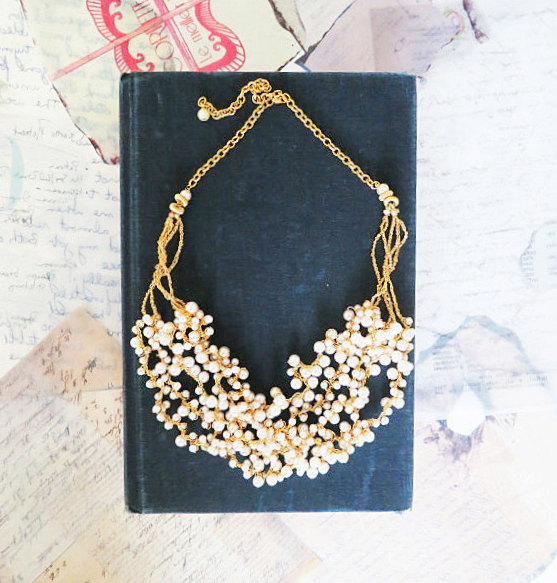 Pearl Wedding Necklace, Bridal Chunky Necklace, Gold and Pearl Necklace, Vintage Style Pearl Bib 1920s Necklace,